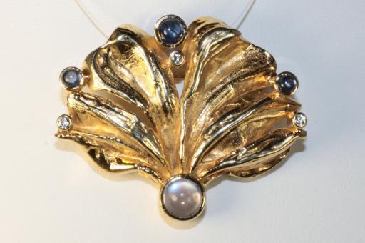 Anhänger Brosche Brillanten Saphire und Mondstein Gold 585