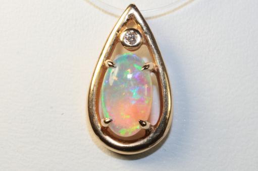 Opal Anhänger / Gleiter Brillant Gelbgold 750