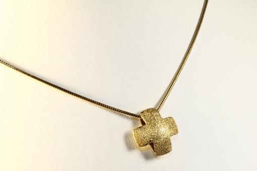 Kreuzanhänger und Schlangenkette Gold 585