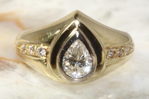 Diamantring in Tropfenform Gold 585