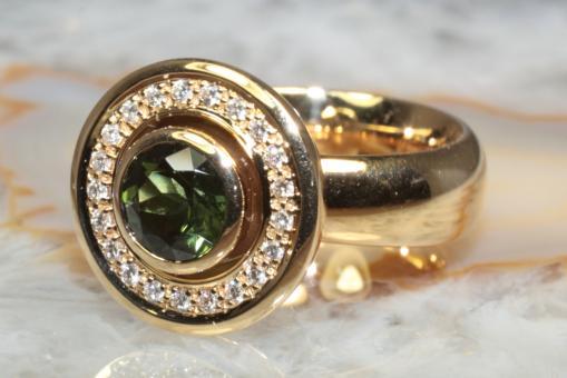 Jörg Heinz Ring Turmalin und Brillanten Gold 750