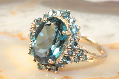 Ring Blautopas Gelbgold 375