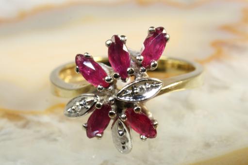 Rubin Ring Diamanten Gold 585