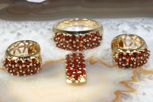 Granat Set Ring Creolen Anhänger Gold 333