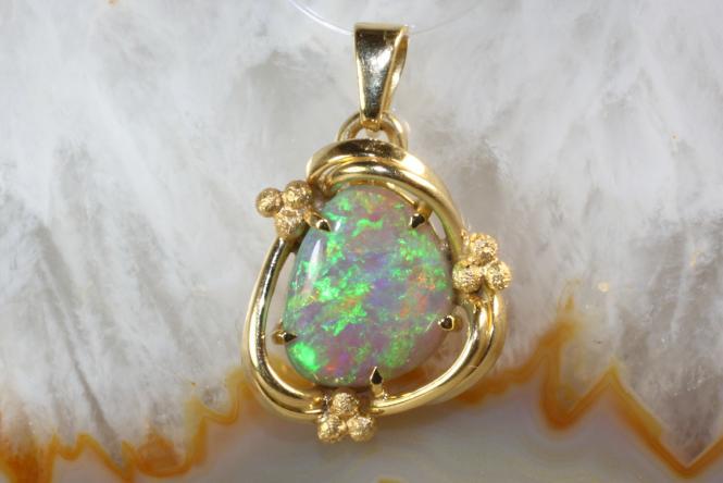 Opal  Anhänger Gold 750