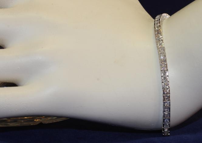 silber armband mit zirkonia second hand schmuck. Black Bedroom Furniture Sets. Home Design Ideas