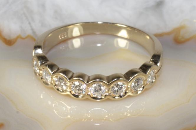 Ring 8 Brillanten Gold 585