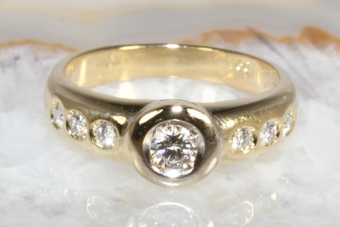 Ring 7 Brillanten Gold 750