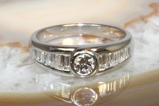 Platin Ring 900 11 Diamanten