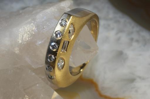 Design Ring Platin 950 Gold 750 mit 12 Diamanten | Second Hand Schmuck