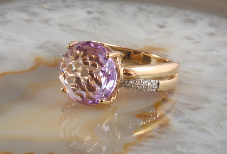 ring gold 375 mit amethyst und 20 diamanten second hand schmuck. Black Bedroom Furniture Sets. Home Design Ideas