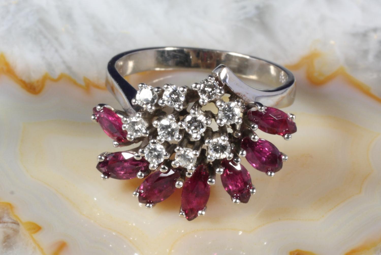 ring gold 585 mit rubin und 10 brillanten 0 35 ct second hand schmuck. Black Bedroom Furniture Sets. Home Design Ideas