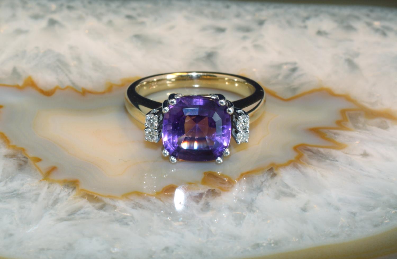 amethyst ring mit brillanten gold 585 second hand schmuck. Black Bedroom Furniture Sets. Home Design Ideas