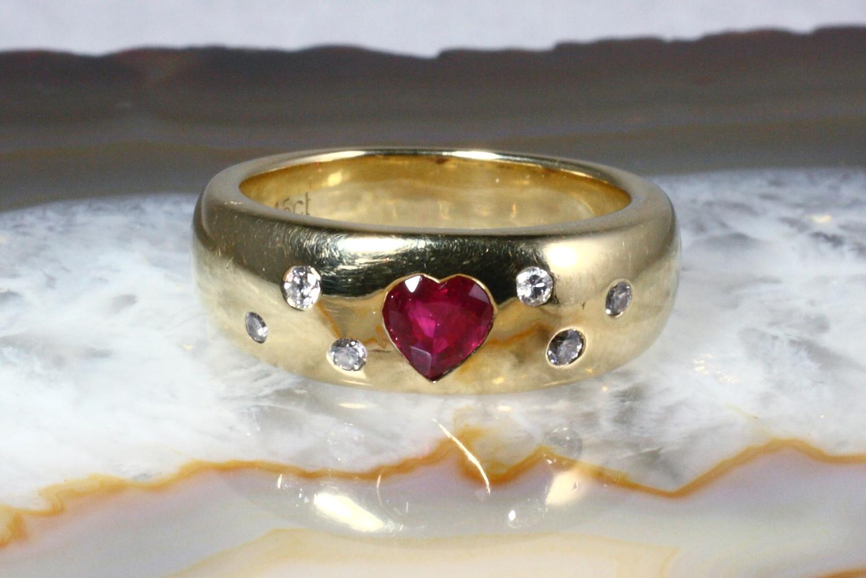 rubin ring mit brillanten gold 585 second hand schmuck. Black Bedroom Furniture Sets. Home Design Ideas