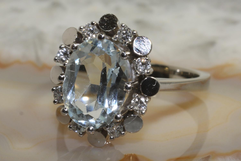 aquamarin ring gold 585 8 brillanten second hand schmuck. Black Bedroom Furniture Sets. Home Design Ideas